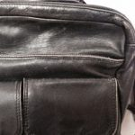 黒いバッグのスレ傷や色褪せの補修