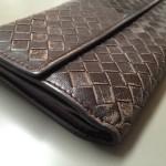 【ボッテガ】財布のスレ傷や色落ちでお困りなら修理でキレイに!