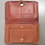 エルメスよりドゴン長財布のシミと全体の補色修理